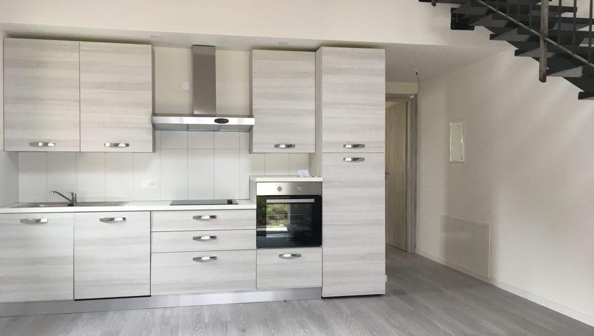 Cucina e salotto (2)